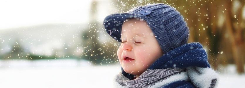 мороз и обнажённое тело в снегу